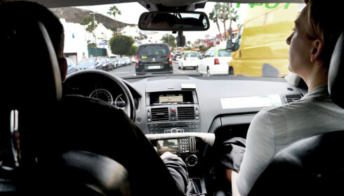 GREIE TAXIPRISER: Men vil du bruke taxi fra flyplassen, bør dere være flere som reiser sammen. Foto: Ole Petter Baugerød Stokke