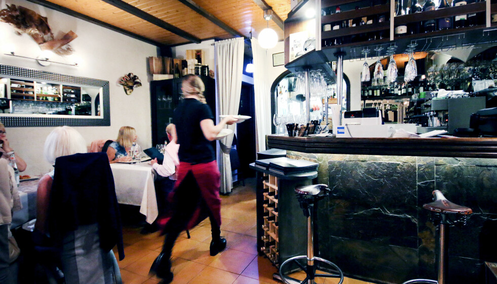 BAKOVER I LOKALET: Litt triveligere bakover i lokalet hos Cosi come sei. Foto: Ole Petter Baugerød Stokke