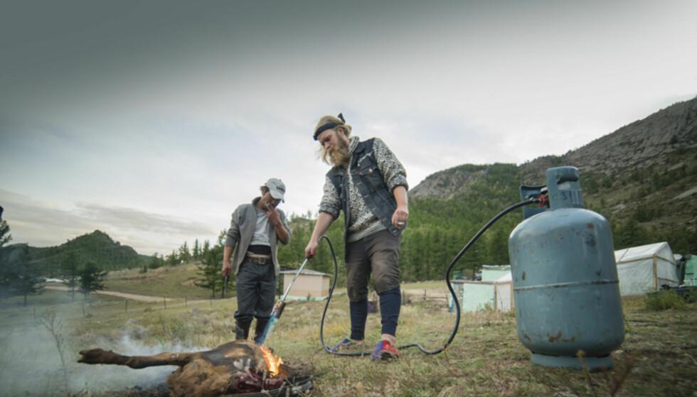 UTEKJØKKEN: Den mongolske vei er gjerne et lite stykke unna det tradisjonelle norske kjøkken. Foto: Torkild Bredesen / Peter Byng