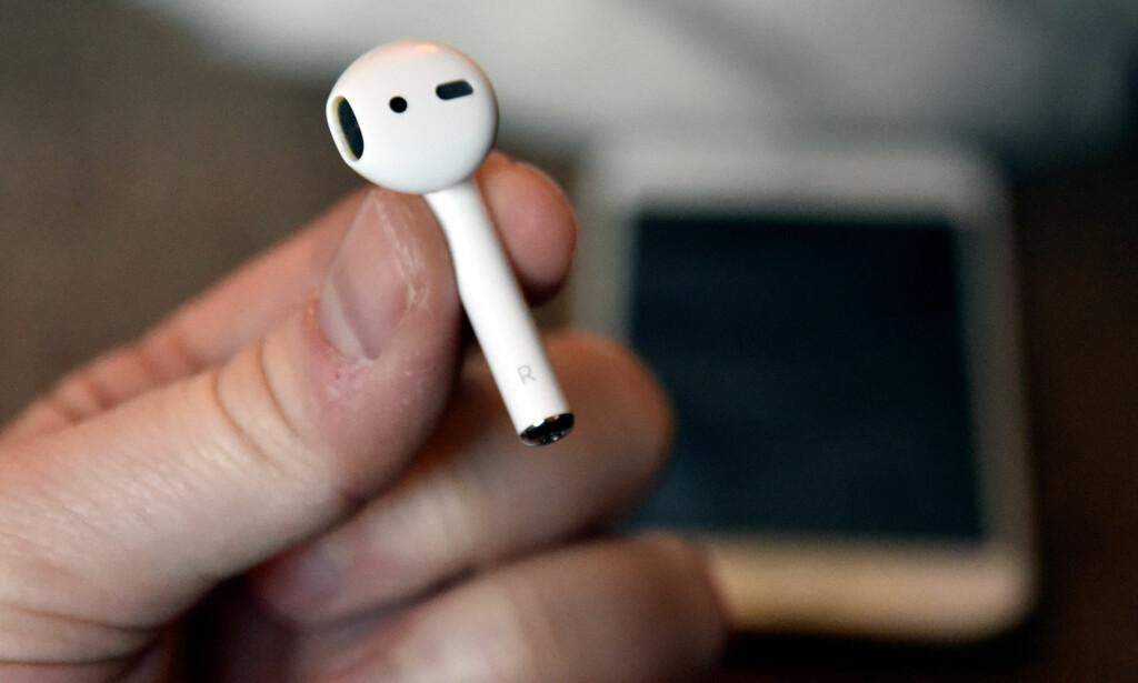LITEN OG LETT: Å miste? Det kan fort skje, men i så fall kan Apple hjelpe deg. Foto: Pål Joakim Pollen