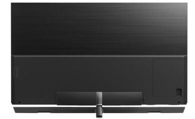 <strong>REN BAKSIDE:</strong> TV-en skal tåle å stå midt i rommet, takket være en glatt bakside. Foto: Panasonic