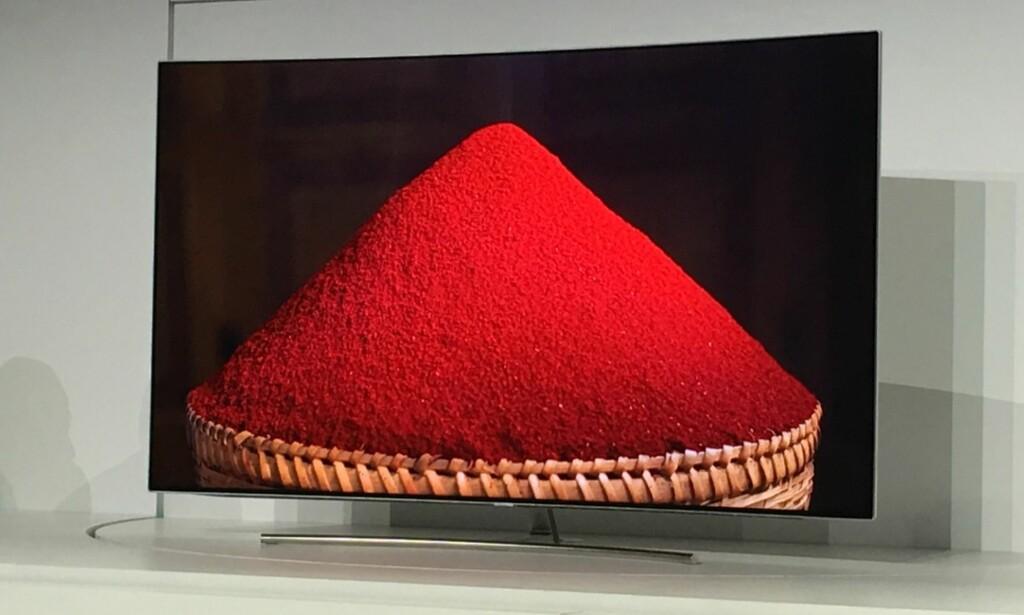 KRYSTALLKLART: Det lille har sett av QLED så langt, ser svært lovende ut - med nær perfekt sort og meget god gjengivelse av vriene farger som rødt. Foto: Bjørn Eirik Loftås