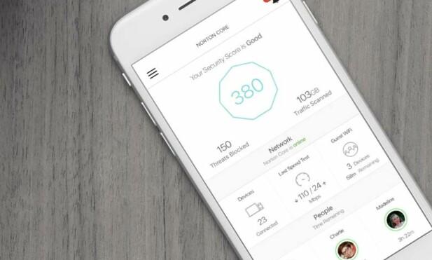 APP: Ruteren administreres fra en app, som også gir deg en sikkerhetsscore basert på hvor trygt nettverket ditt ansees å være. Foto: Symantec