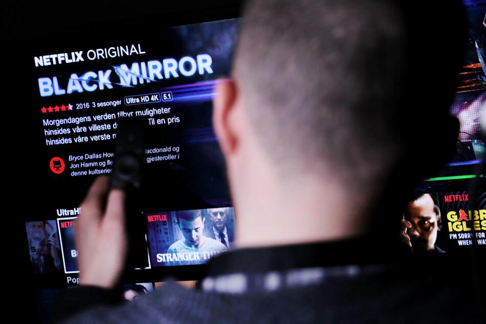 STJERNENE PÅ NETFLIX: At Black Mirror her får 4,5 stjerner betyr ikke nødvendigvis at snittet fra alle brukerne er 4,5. Stjernene på Netflix angir hvor godt serien eller filmen passer for deg, og bare deg. Foto: Ole Petter Baugerød Stokke