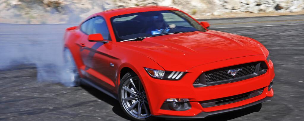 BURNEKONGE: For første gang skal Mustang selges gjennom Ford-forhandlere i Norge. Kanskje noen har råd til den også. Foto: Ford