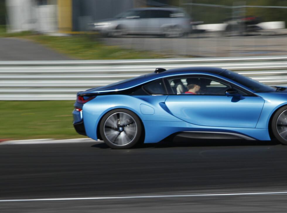 MODIG: BMW trekker strikken langt på sine i-modeller. Skulle ønske de turte litt mer i sitt vanlige program. Foto: RUNE M. NESHEIM