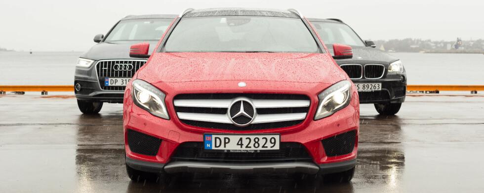 MERCEDES GLA: Den nye lille SUV-en fra Mercedes har vakt enorm begeistring hos Nordmenn. Hvor bra er den egentlig mot konkurrentene? Vi kjører den mot Audi Q3 og BMW X1. Foto: KASPER VAN WALLINGA
