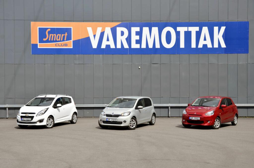 Vi tok oppstilling utenfor varemottaket på Smart Club Alnabru tidlig en morgen med Chevrolet Spark, Skoda Citigo og Mitsubishi Space Star. Foto: Stein Inge Stølen