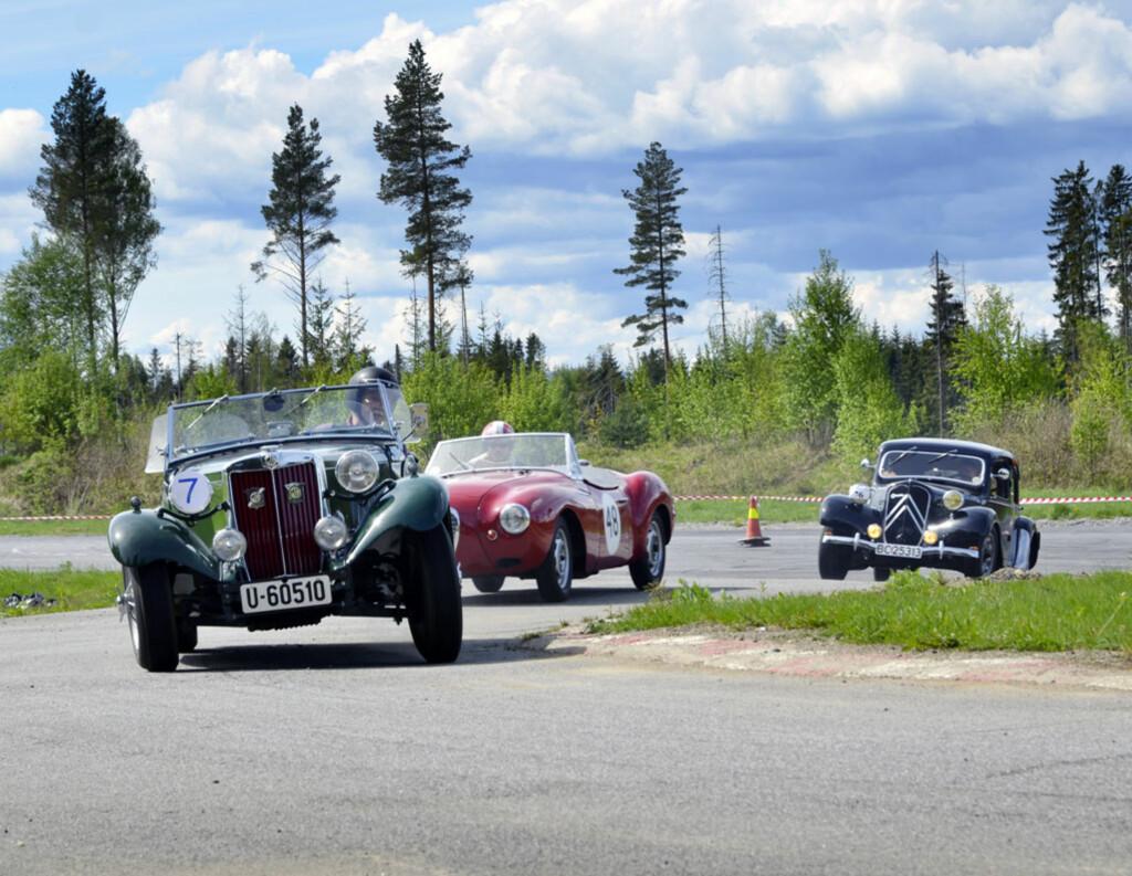 MG, DKW Frazer-Nash og Citroën Traction Avant i fullt firsprang. Ikke hverdagskost. Foto: Stein Inge Stølen
