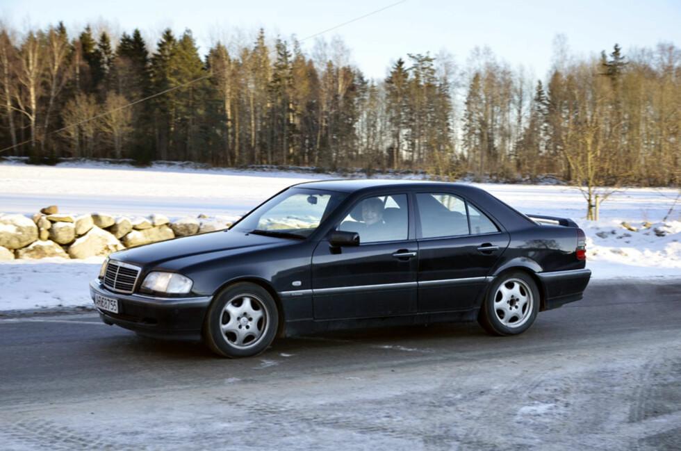 På utsiden er det ingenting som avslører at dette er noe mer enn en vanlig Mercedes C240. Foto: Stein Inge Stølen