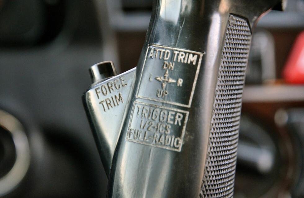 Ikke vanlige funksjoner på en nittitalls Mercedes... Foto: Stein Inge Stølen
