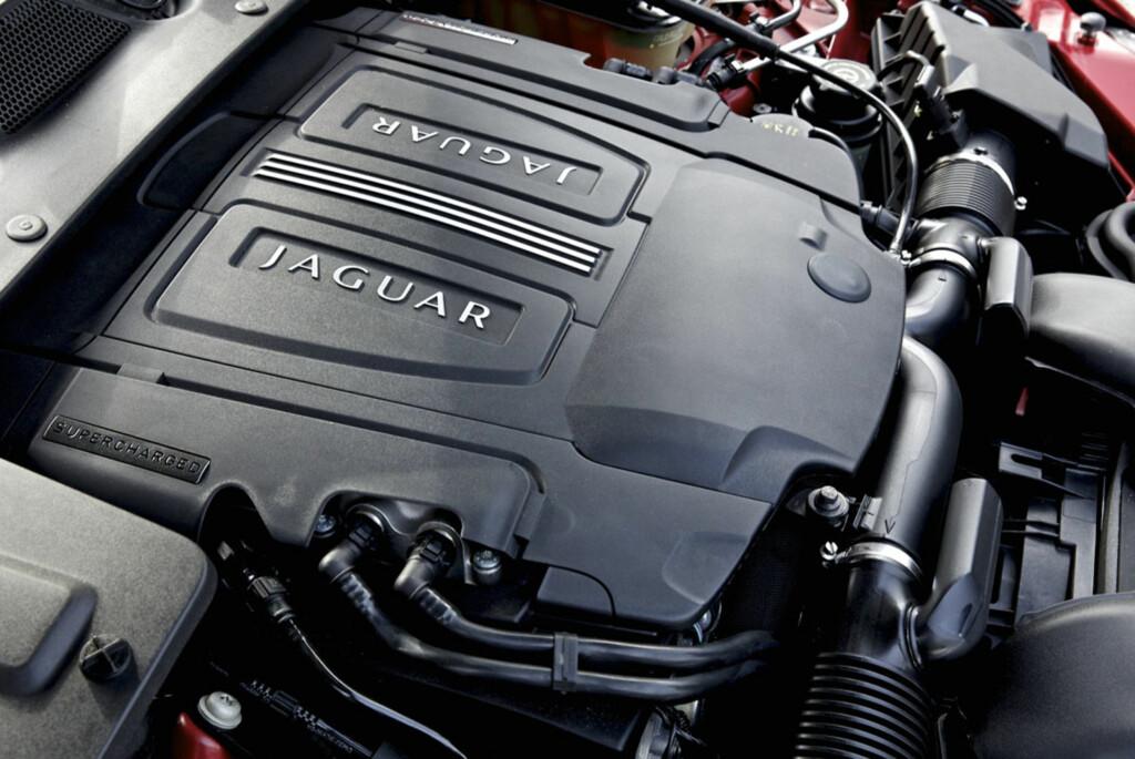 AWD-systemet er kun tilgjengelig i kombinasjon med denne motoren, en 3-liters kompressormatet bensinmotor på 340 hk. Foto: Jaguar