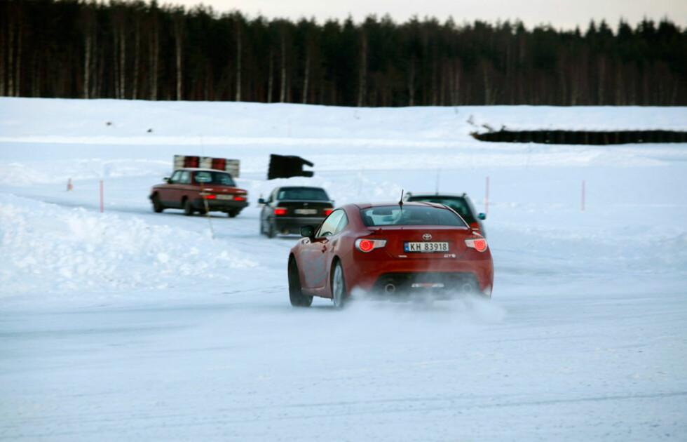 Vi tok med årets Autofil-bil, Toyota GT86 til Vålerbanen. Den imponerte stort! Foto: Autofil