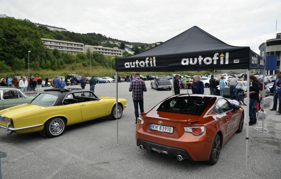 Et firesifret antall mennesker dukket opp ved Roadshowets siste stopp i Ålesund. GT86 ble et populært trekkplaster også her. Foto: Stein Inge Stølen