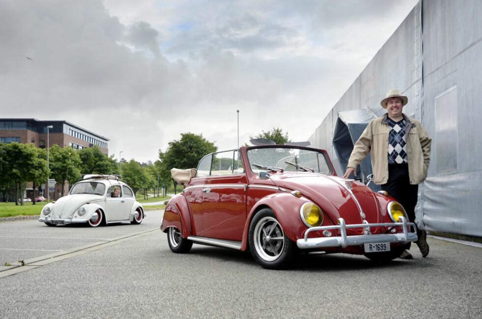 Den evigunge formen til VW Boble, samt det faktum at så mange ble laget av dem, gjør bilen til en klassiker du kan sette ditt eget personlige preg på, uten at noen beskylder deg for å tukle med en originalbil. Både Rune og Daniel liker å kjøre sin egen personlige stil, og således har de lykkes 100 prosent med å få et unikt kjøretøy som passer dem.  Foto: Stein Inge Stølen