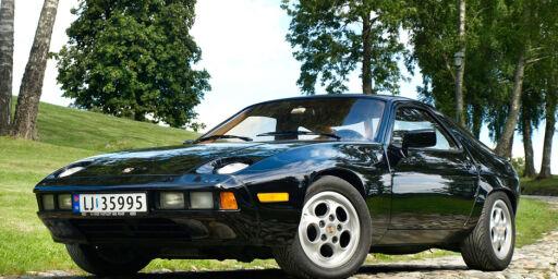 image: Porsche 928 (1979)