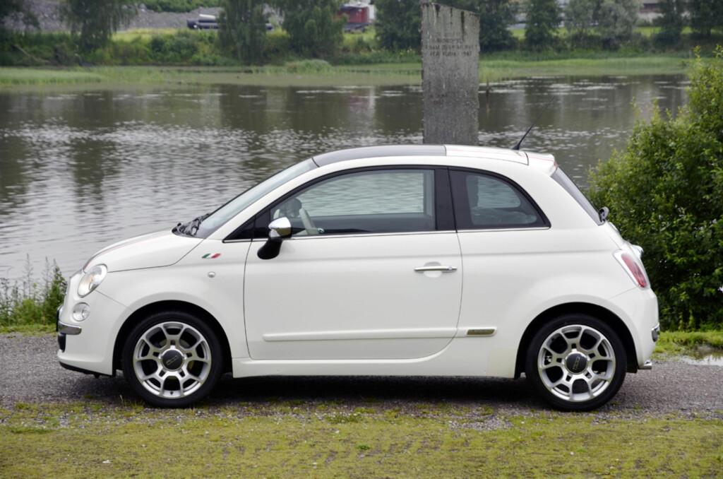 Fiat 500 er garantert en av de kuleste småbilene du finner på bruktmarkedet. Hvis du sitter godt i den, er det lite som taler imot. Foto: Autofil