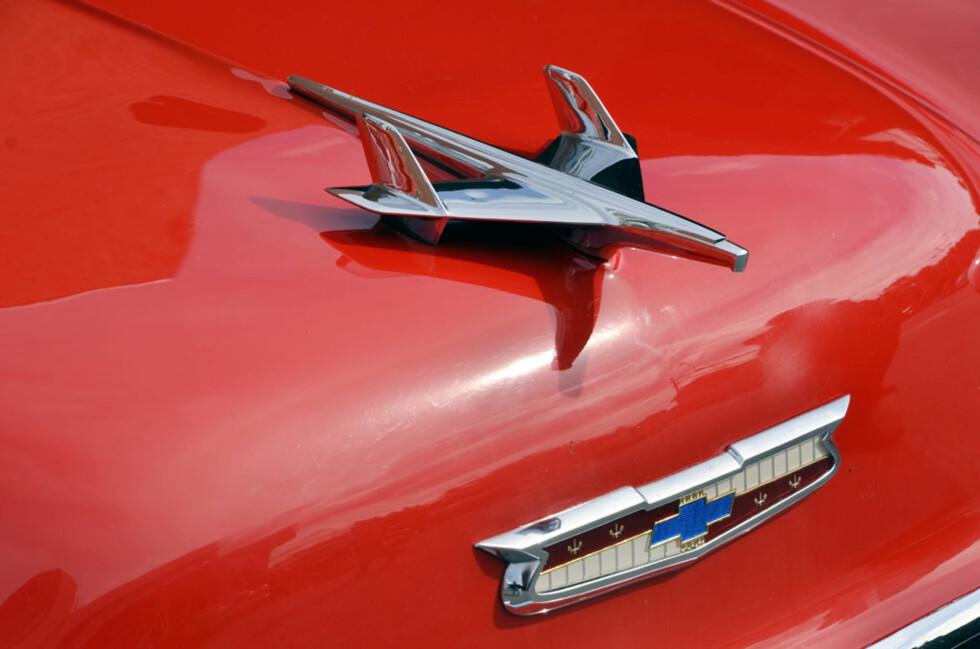 Et av bilhistoriens mest kjente ornamenter? Dette er så klart en Chevrolet Bel Air fra 1955. Eier: Arne Bjørdal. Foto: Stein Inge Stølen