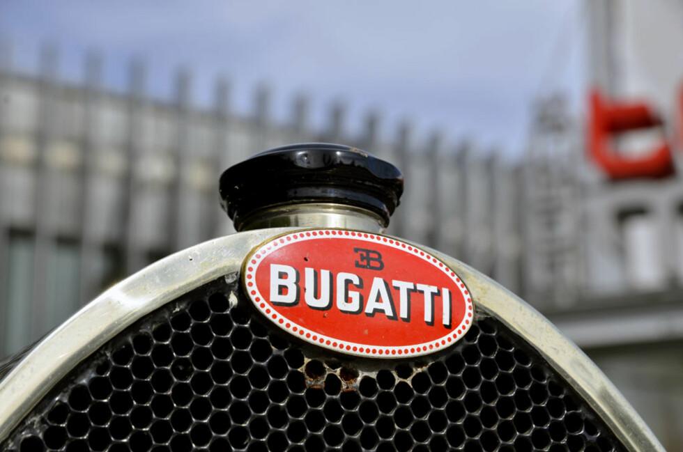 Bugatti nøyer seg med et enkelt og minimalistisk radiatorlokk. Her en 1925-modell Type 23 eid av Arild Staver. Foto: Stein Inge Stølen