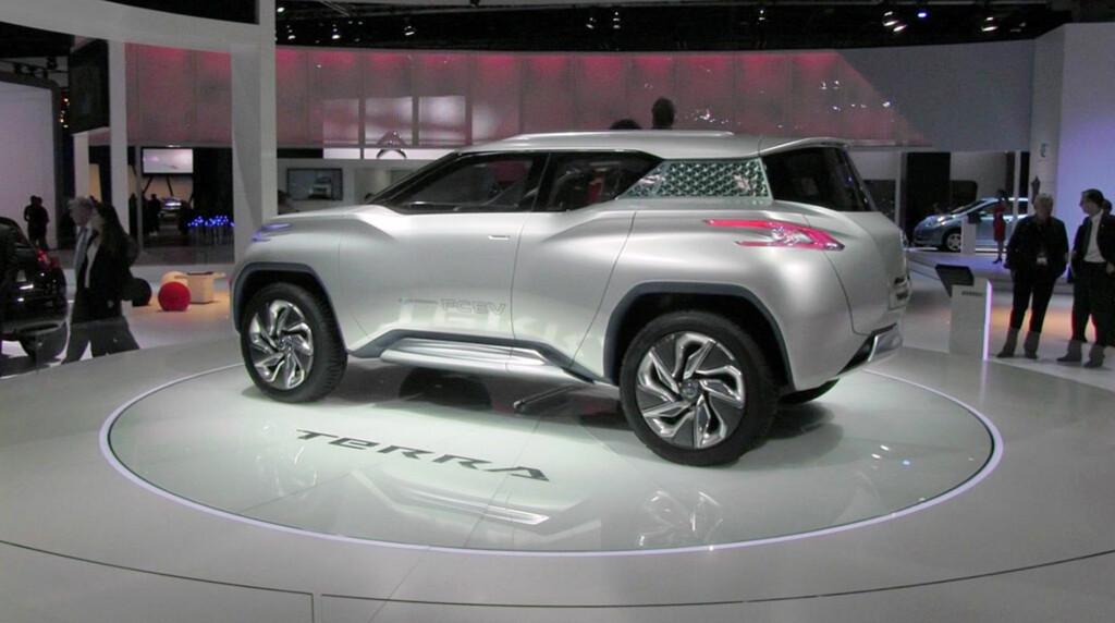 Nissan Terra er nok et relativt virkelighetsfjernt konsept, spesielt med tanke på interiørløsningen. Men bilen er drevet av hydrogen og Nissan lover oss en produksjonsmodell med hydrogendrift i 2016. Foto: Stein Inge Stølen