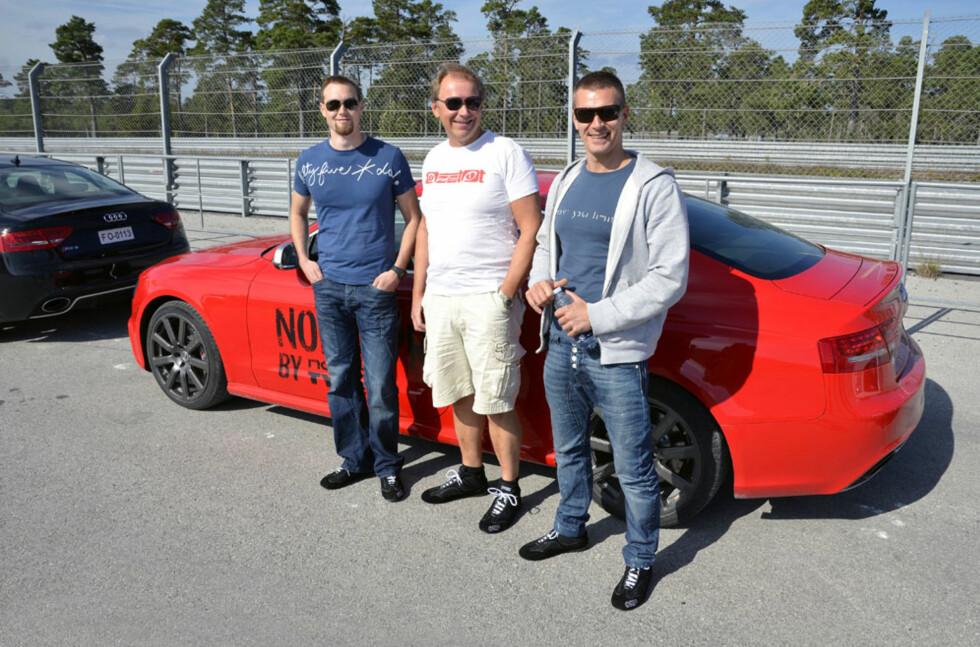 Tommy Larsen (28), Knut Skårdalsmo (51) og Tom Erik Erlandsen (39) ble plukket ut til å være med på testkjøring på Gotland. Foto: Stein Inge Stølen