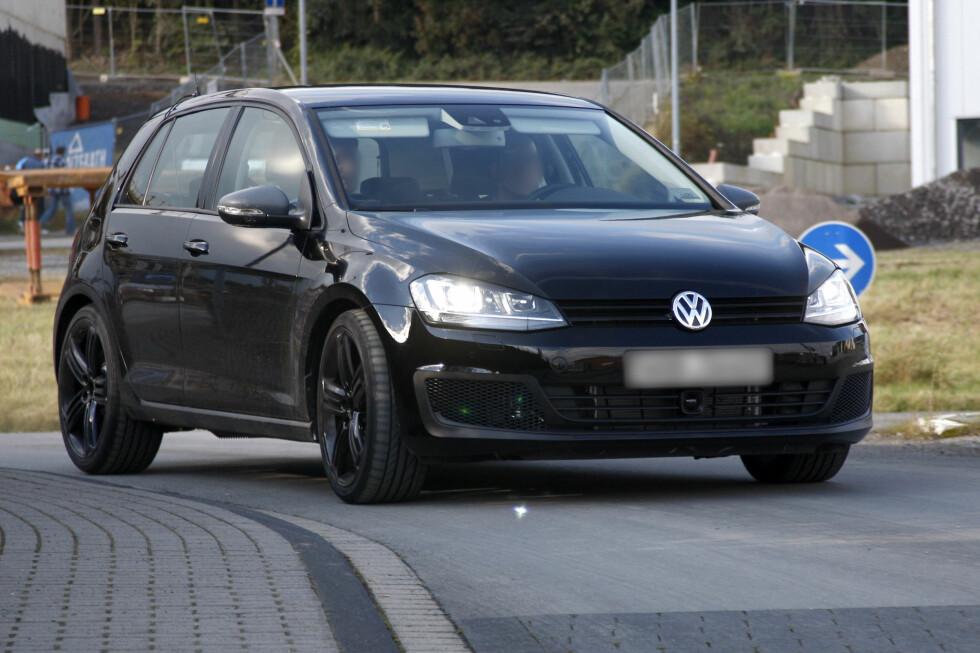 På testbilen kan du se grovere frontleppe og større luftinntak. Foto: Lehmann Photo Syndication