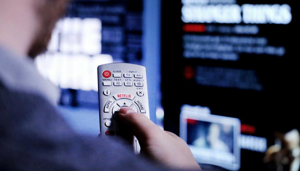TILGJENGELIGHET: Noen tjenester er tilgjengelig flere steder enn andre. Netflix har for eksempel en egen knapp på fjernkontrollene fra Panasonic og Phillips. Foto: Ole Petter Baugerød Stokke
