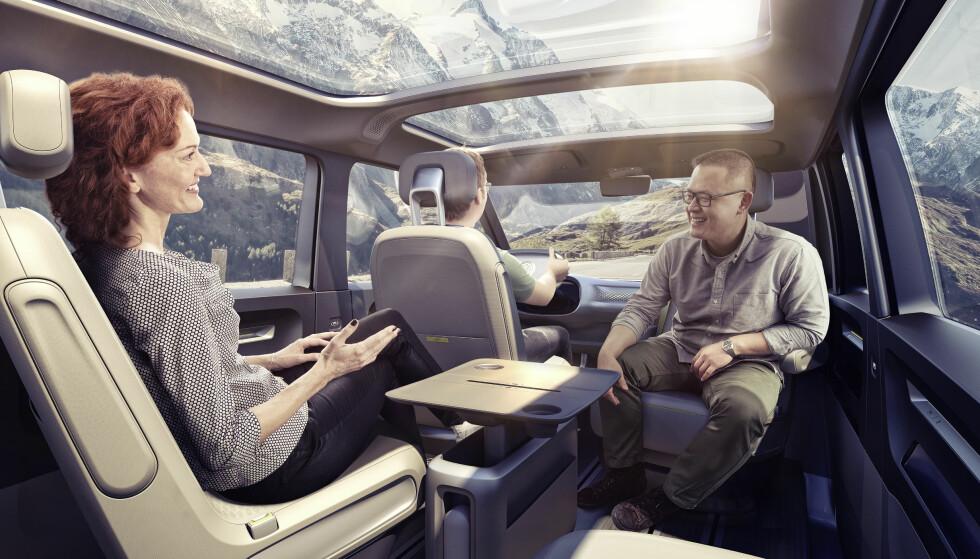 LYST OG LUFTIG: Konseptet I.D. Buzz har mye glassflater og fleksibelt interiør. Foto: Volkswagen