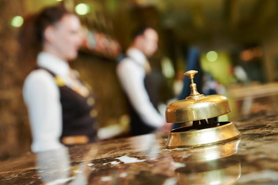 IKKE GODT NOK: Å legge fra seg bagasje på hotellet etter du har sjekket ut vil kunne bryte med reiseforsikringens vilkår, om du har verdisaker liggende. Da risikerer du å ikke få erstattet tapet etter tyveri. Foto: Shutterstock / NTB Scanpix
