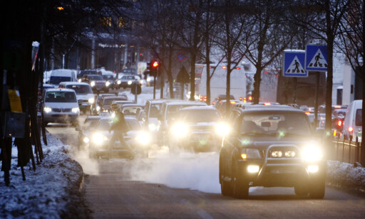 MANGE UNNTAK: Noen får kjøre. Og forbudet gjelder bare noen steder. Andre må la dieselbilen stå.  Foto: NTB Scanpix