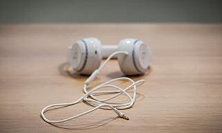 HVA SKJEDDE: Har dere, eller har dere ikke gått over til lightning-port for hodetelefoner, Apple? Foto: Gaute Beckett Holmslet