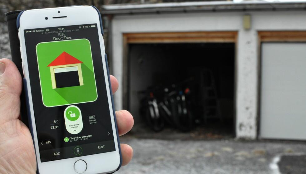 FJERNSTYRING: GoGoGate 2-appen åpner og lukker garasjeporten din uansett hvor du er. Foto: Tore Neset