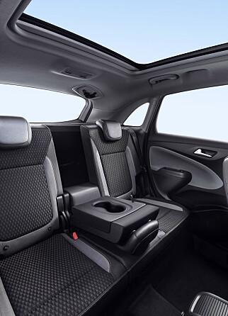 LUFTIG: kompakte utvendige mål til tross: Vår erfaring med Peugeot 2008 tilsier at plassen innvendig likevel vil være ganske god. Foto: Opel