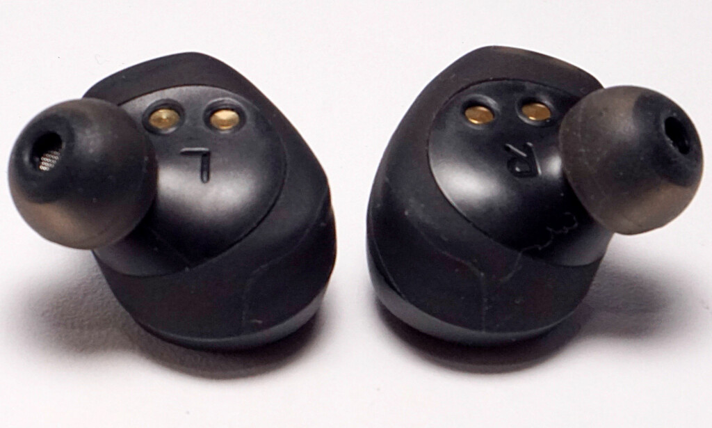 SITTER BRA: Jabras konstruksjon gjør ørepluggene egner seg godt til et aktivt liv. Foto: Håvard Holmedal