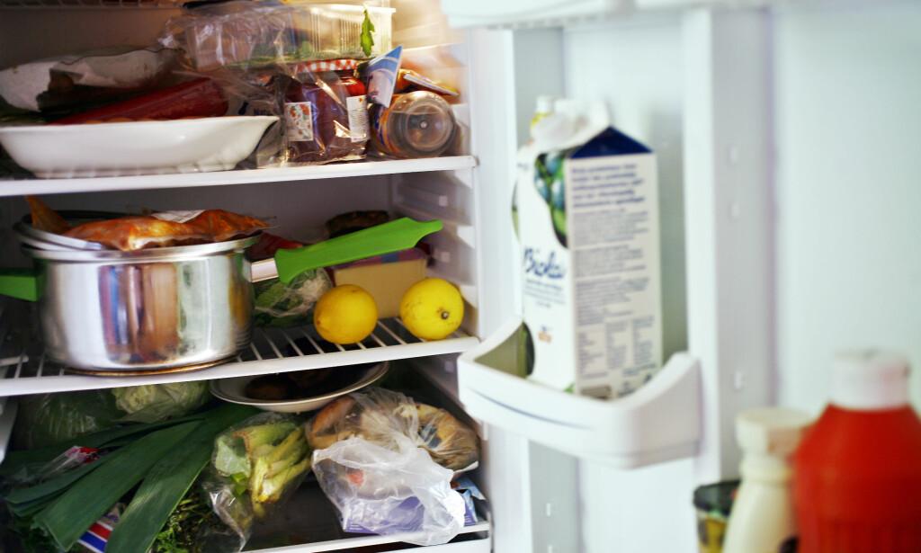 FOR FULLT? Det kan påvirke temperaturen i kjøleskapet. Foto: NTB Scanpix