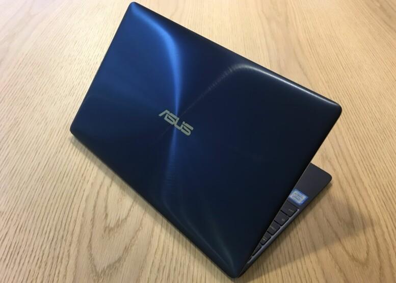 <strong>EKSKLUSIV LOOK:</strong> Zenbook 3 er en PC som tåler å bli vist fram. Foto: Bjørn Eirik Loftås