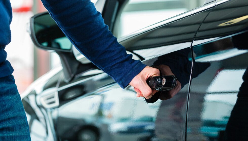 VIL DELE INFO: Forsikringsbransjen er positiv til å bidra med forsikringsinfo til et skaderegister for biler. Foto: NTB Scanpix