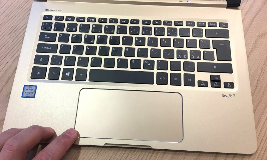 GODE SAKER: Både tastatur og pekeplate fungerer helt prima. Foto: Bjørn Eirik Loftås