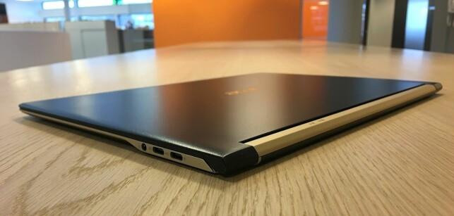 VELDIG FIN: Vi liker designen på Swift 7 svært godt. Den er dessuten så tynn og lett at den nærmest blir som en kladdebok å regne i veska. Foto: Bjørn Eirik Loftås