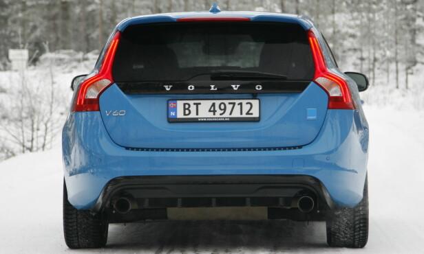 VOLVO V60 POLESTAR: Polestar har til nå sett ut som en vanlig Volvo, med bare en lite blått merke til å tydeliggjøre forskjellen. Foto: Rune M. Nesheim