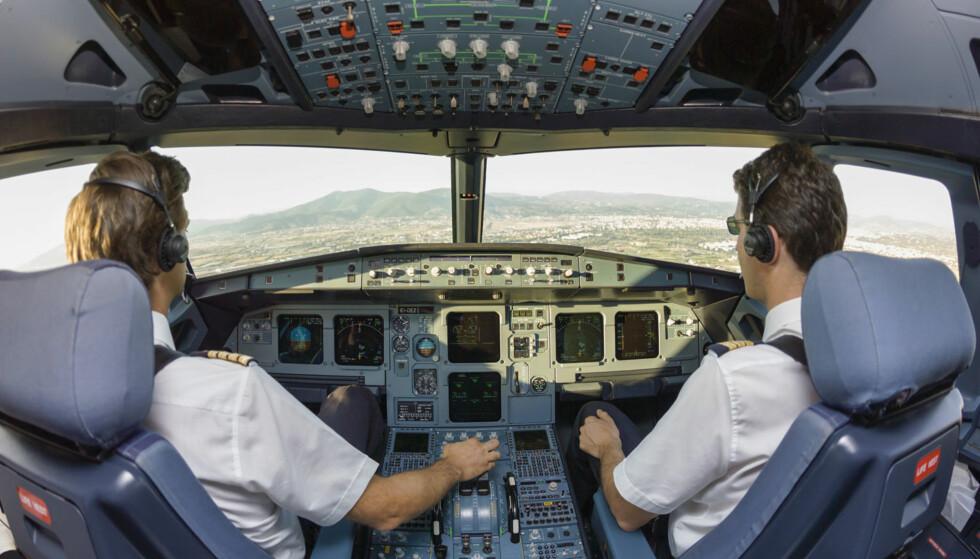 DATASTYRT: Professor Jan Ketil Arnulf mener at flyvere og skipskapteiner i fremtiden vil erstattes med datastyrt teknologi. Illustrasjonsfoto: Scanpix.