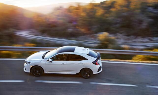 MYE LINJER: Det er lov å kalle Civic-designen i overkant komplisert. Foto: Honda