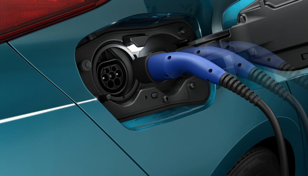 FORTSATT MYE LADBART: Totalt registreres det flere hybrider enn dieselbiler i Norge. Foto: Toyota