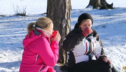 TURKOS: Ingen tur uten varm drikke i koppen. Vi har hatt med sammenleggbare kopper på tur - og det er store forskjeller. Foto: Kristin Sørdal