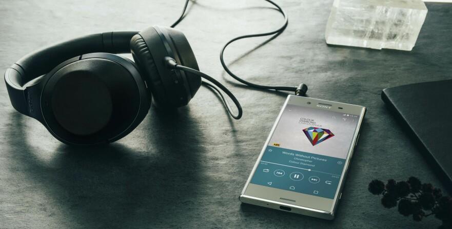 NY TOPPMODELL: Sony har annonsert Xperia XZ Premium, en vanntett toppmodell med 4K HDR-skjerm og et svært spennende kamera. Foto: Sony