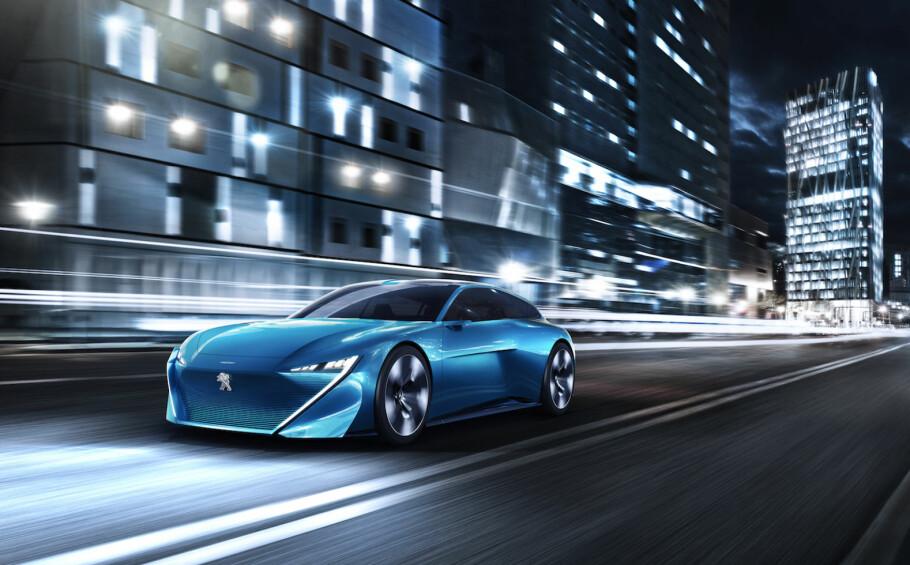 SHOOTING BRAKE: Peugeot har lange konseptbiltradisjoner og fornekter seg ikke i forkant av bilmessen i Genève. Instinct Concept heter denne, og er i tråd med tiden både ladbar og autonom. Foto: Peugeot