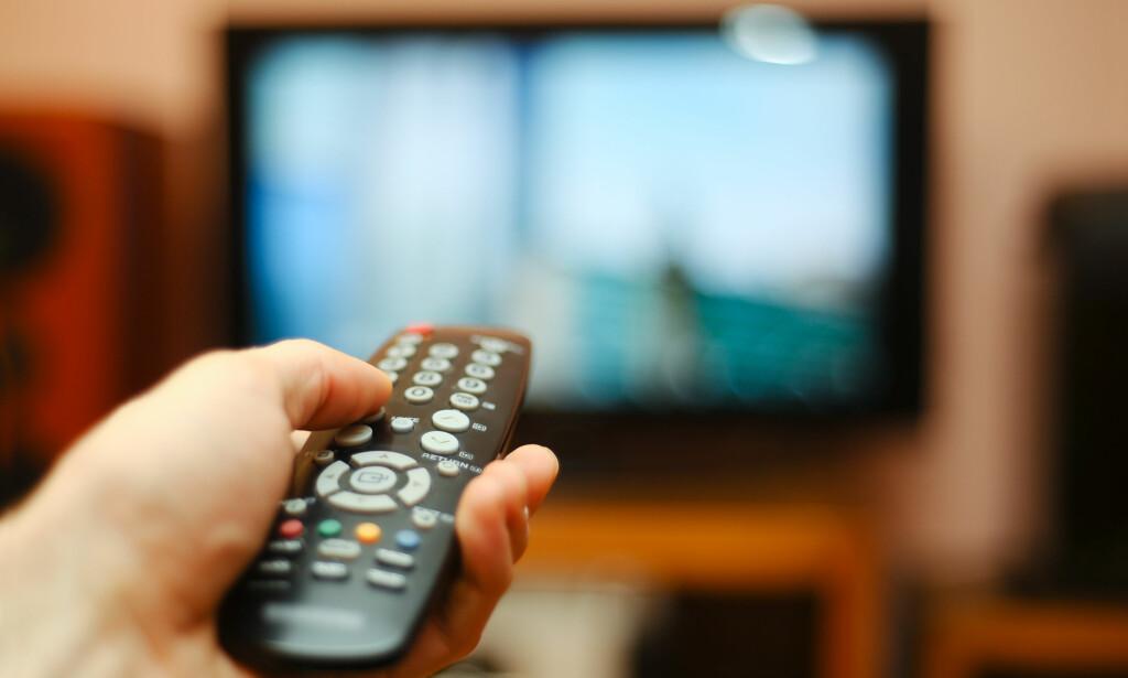 TV PÅ PAUSE? En kanalpakke fra TV-leverandørene koster fra 400 kroner og oppover. Hos enkelte av leverandørene kan du fryse abonnementet, for eksempel for å teste ut strømmetjenester i stedet. Foto: NTB Scanpix
