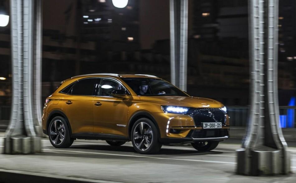NY-PREMIUM: DS 7 Crossback er en 100 prosent DS-bil, altså ikke noe som henger igjen fra Citroën. Det er en SUV som våger å posisjonere seg i konkurranse med biler som Audi Q5 og nye Volvo XC60 som også skal vises i Genève. Foto: DS