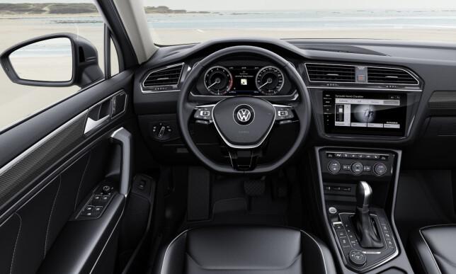 VELKJENT: Nyeste Volkswagen-interiør, blant annet med den større skjermen i midtkonsollen. Foto: Volkswagen
