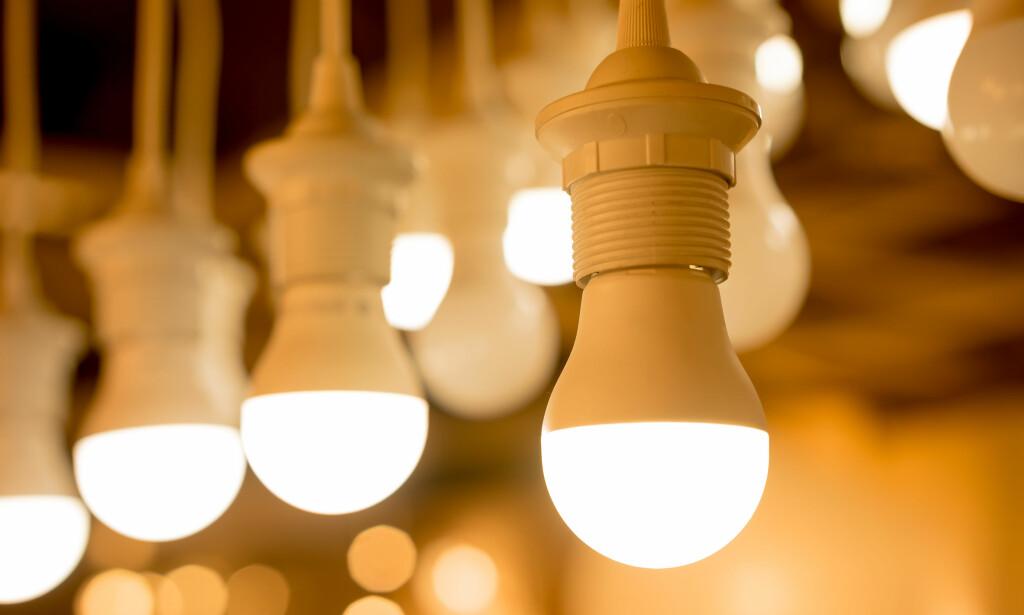 LURER MÅLEREN: LED-pærer med dimmere bidrar til at måleren registrerer for høyt forbruk. Foto: Shutterstovk/NTB scanpix)